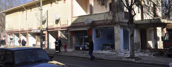 Yarım asırlık dükkânlar yıkılıyor
