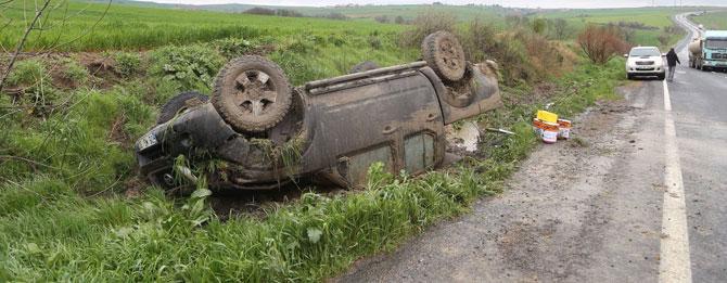 Ticari kamyonet kaza yaptı!