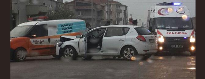 Yağmur yağışı kaza getirdi