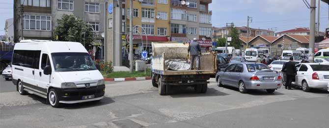 Trafikçiler 100. Yıl Caddesi'nden dertli