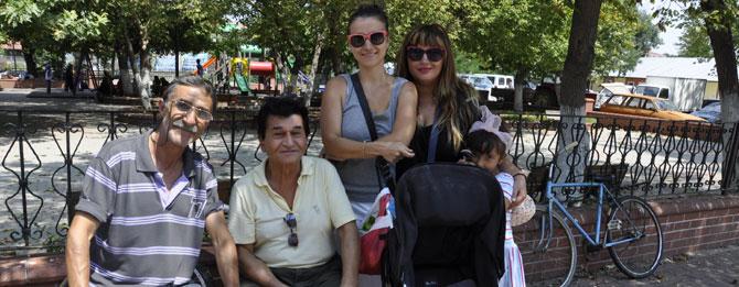 Sanayi Mutlu Muratlı'daki Akrabalarını Ziyaret Etti