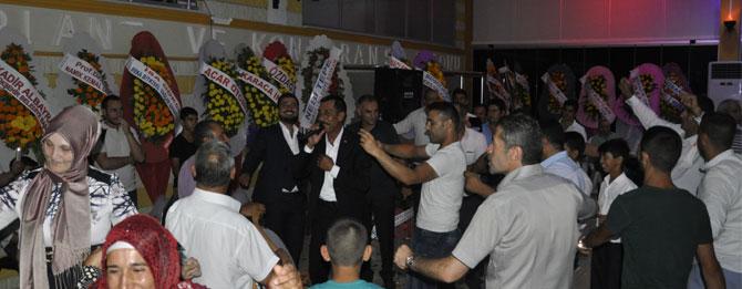Ankaralı Turgut hem gülümsetti hem oynattı