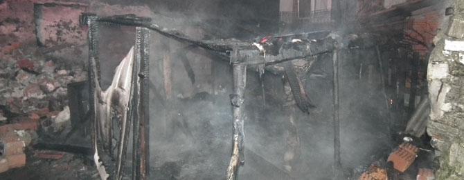 Kaçak Elektrik Yangına Neden Oldu