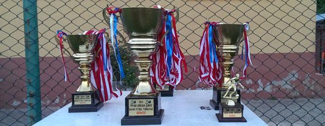 Ahmet Tezcan Turnuvası çekişmeli geçiyor