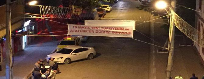 19 Mayıs pankartına siyaset karıştı