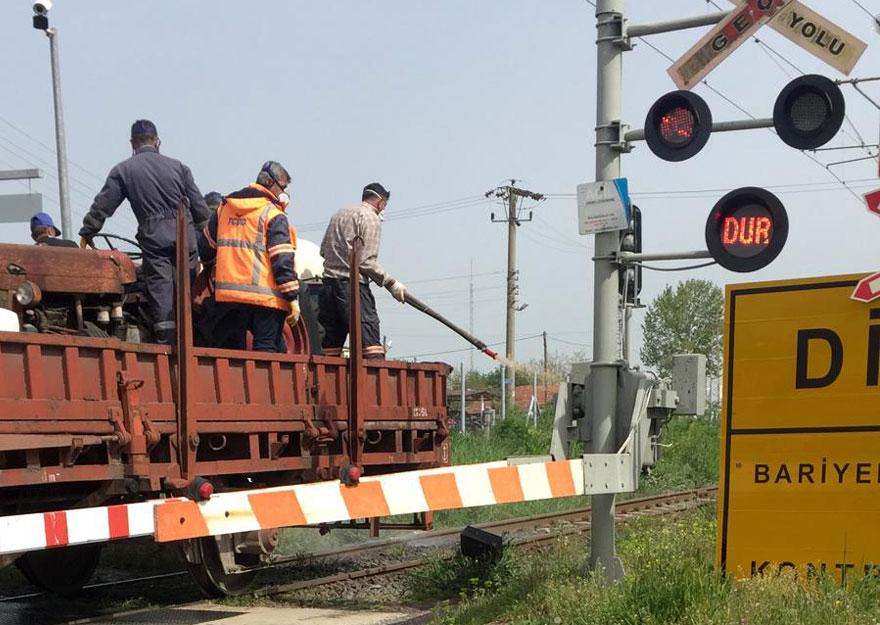 Demir yolu hattında ilaçlama Muratlı Hizmet Gazetesi Resmi